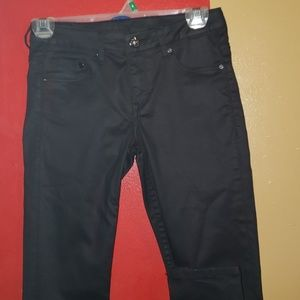 USED GIRLS/WOMEN BLACK  SKINNY JEANS.